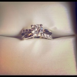 1ct Moissanite whitegold solitaire engagement